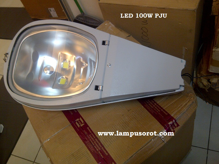 Lampu PJU LED 100W IP 65