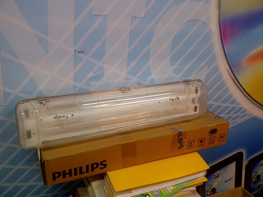 Lampu Waterproof  TCW 097 218 IP 66 Philips