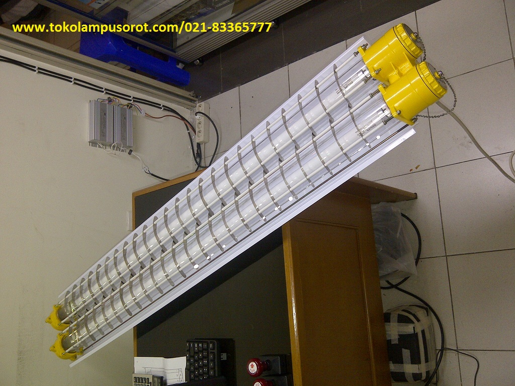 Lampu Explossion Proof  2x 36W