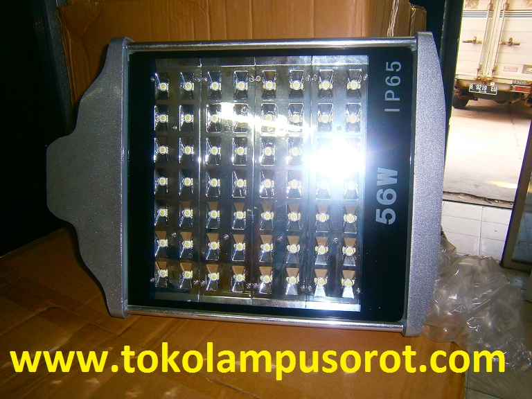lampu PJU LED model  56 watt IP 65